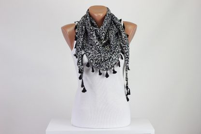 Double-Face Triangle Wrap